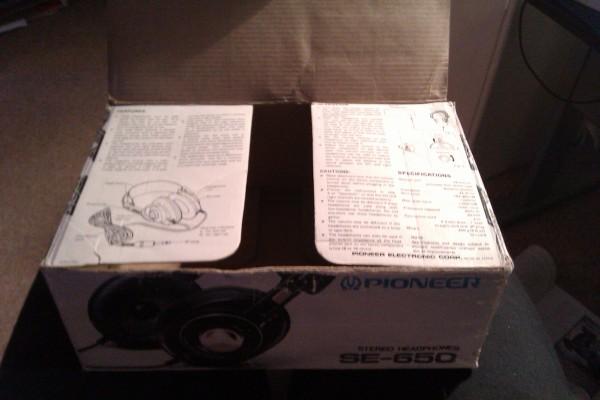 Pioneer SE-650 headphones