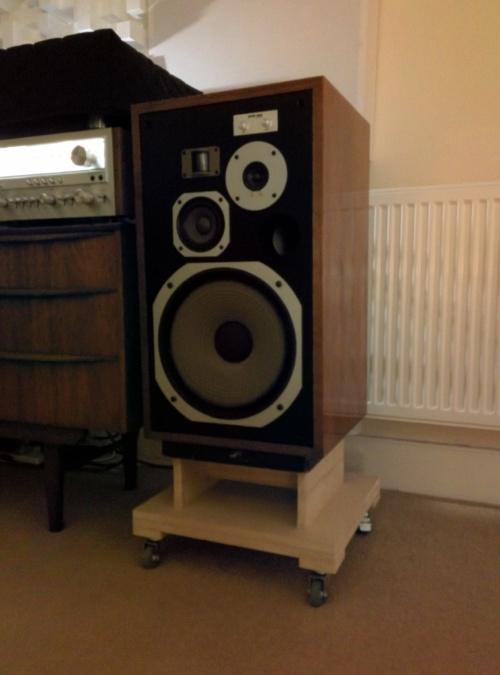 Pioneer HPM-100 Speaker stand
