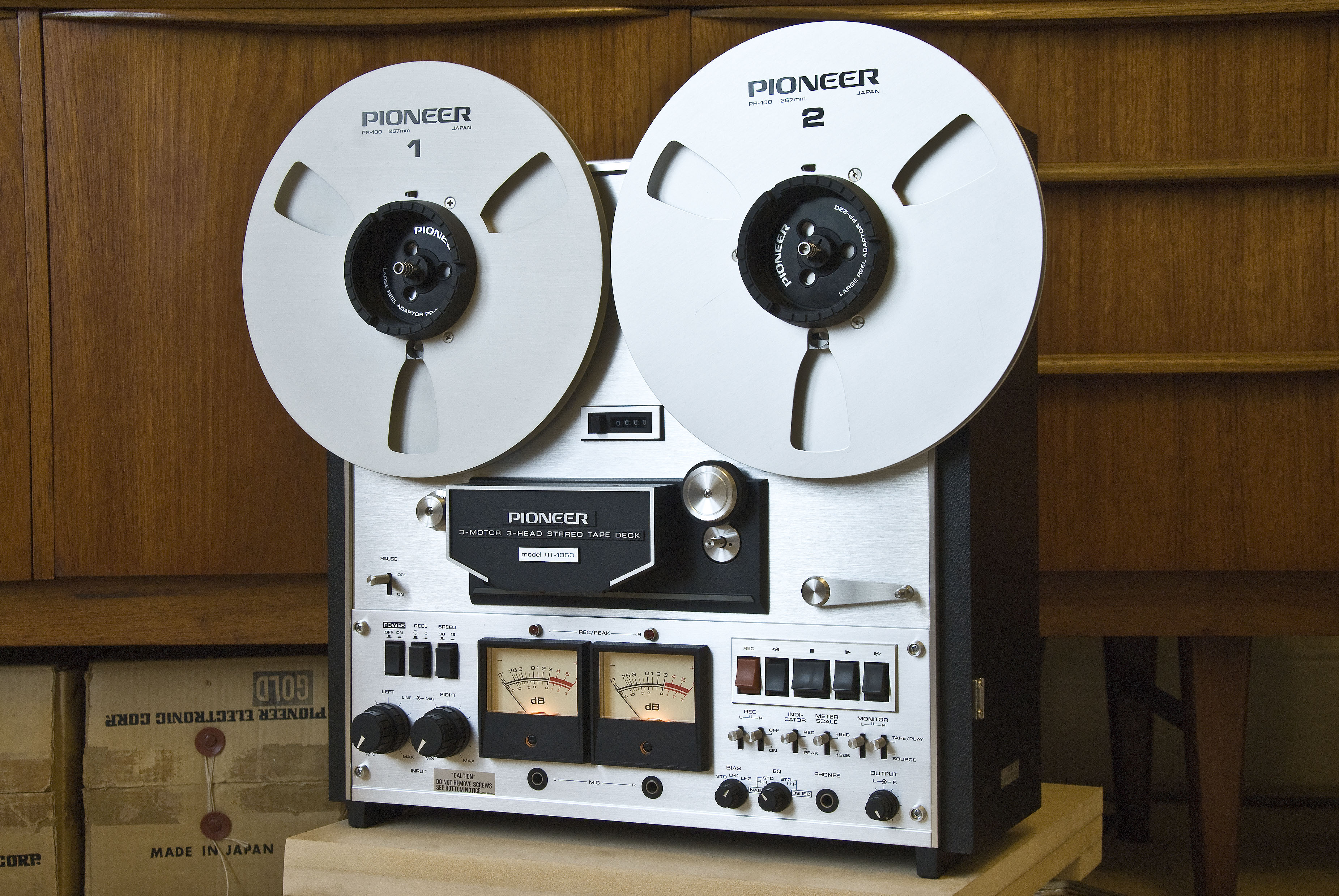 how to use a reel to reel tape recorder